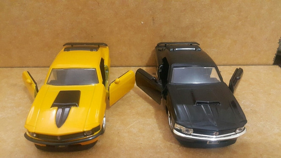 Lote C/ 2 Ford Mustang Boss 429 1970 - Escala 1/32