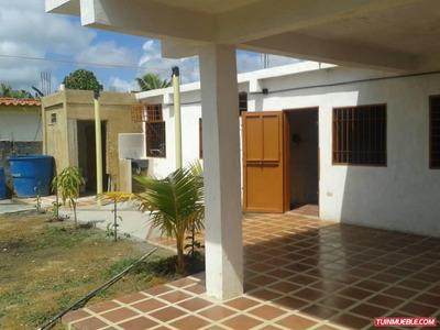 Casas En Venta Tucacas 04249155109