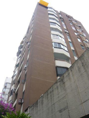 Alquiler Apartamento Urb Los Palos Grandes Dg Mls #21-7854