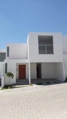 Preciosa Casa En Zona Boscosa Cerca De Angelópolis