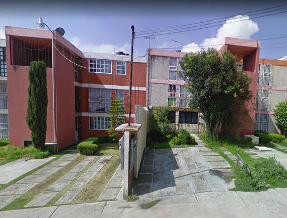 Departamento En Remate (jardines De La Cañada)