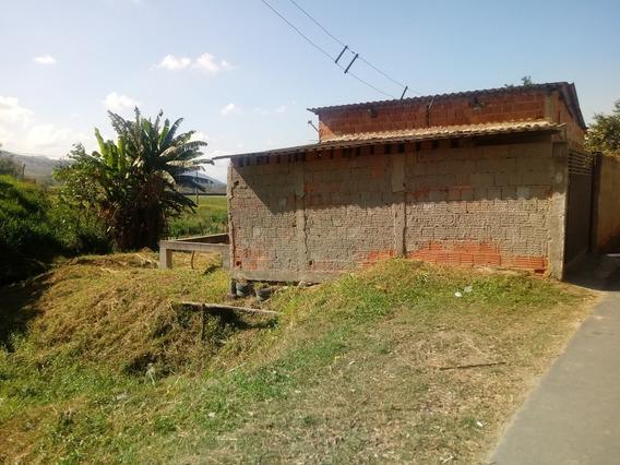 Casa Com 1 Quarto Sala Cozinha Banheiro Area De Serviço