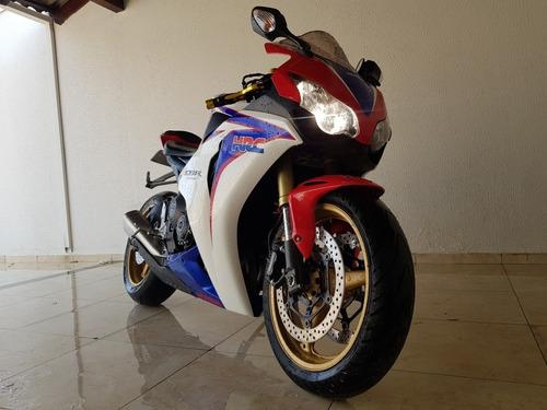 Imagem 1 de 7 de Honda Cbr1000