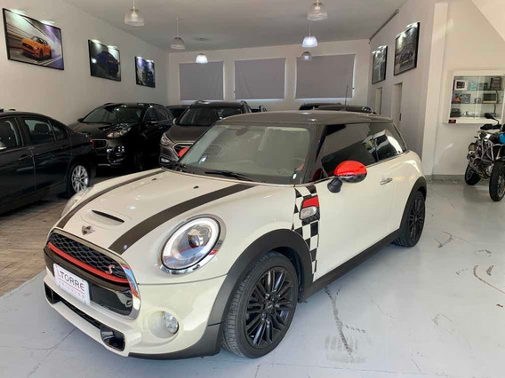 Mini Cooper 2.0 S Exclusive 16v Turbo Gasolina.