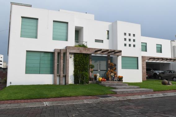 Hermosa Casa Estilo Minimalista, Amplios Espacios