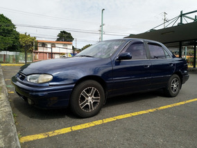 Hyundai Elantra 1994 Azul