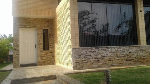 Casa En Venta Alts Guataparo Valencia Carabobo 20-8183 Prr