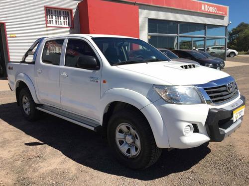 Toyota Hilux 3.0 Cd Sr 171cv 4x4 - C3 2014