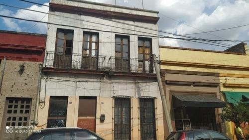 Casa En El Centro Por Mercado Ramon Corona (requiere Remodel