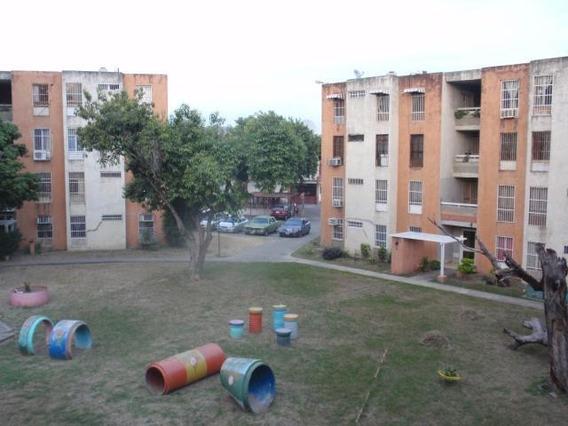 Apartamento En Venta Turmero La Fuente Cod.19-16550 Agr