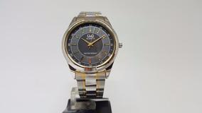 Relógio Feminino Grande Prata Dourado Misto Fundo Preto Q&q