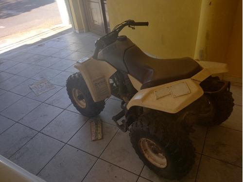 Quadriciclo Suzuki Lt80