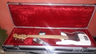 Estuche Para Bajo O Guitarra