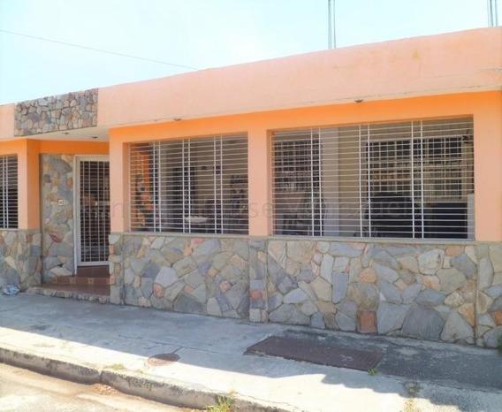 Casa En Venta La Esmeralda San Diego Carabobo 20-7879 Lf