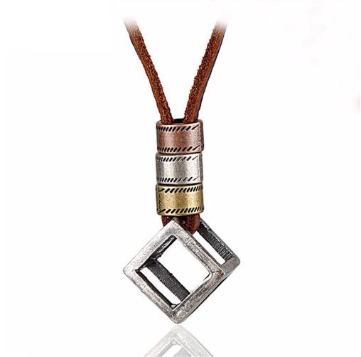 Cordão Colar Masculino Couro Pingente Cubo Em Aço Ajustável