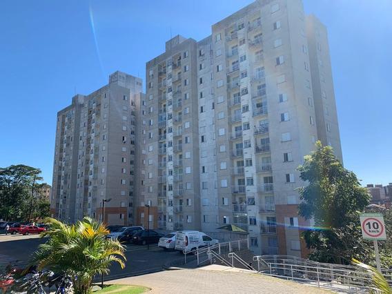 Lindo Apartamento, 02 Quartos, Móveis Em Todos Os Ambientes