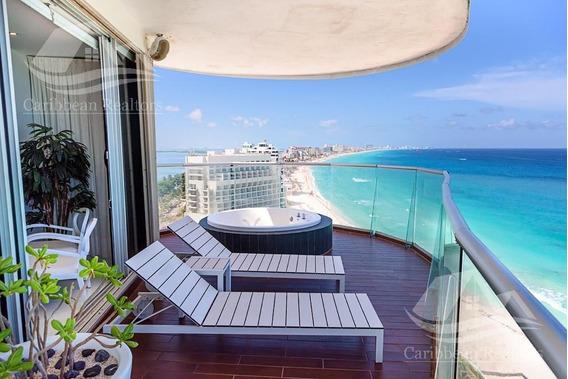 Departamento En Venta En Cancun Zona Hotelera / Condominio Lahia