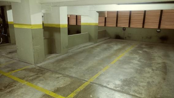 Esmeralda Y Cordoba Para 2 Autos Acceso Y Seguridad 24hs.