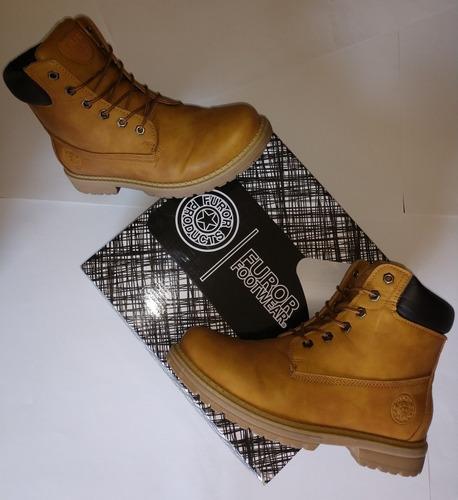 Caso Wardian persecucion estación de televisión  Caballero amable preparar envase botas marca tipo timberland hombre Me  preparé abuela cristiandad