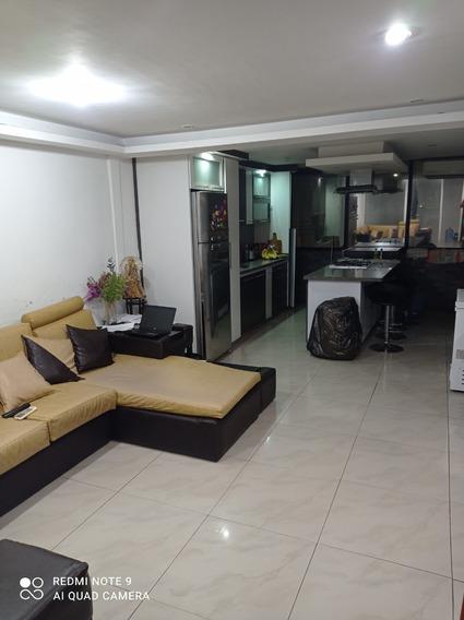 Casa Tipo Apartamento Los Flores Cerca De Metro Agua Salud