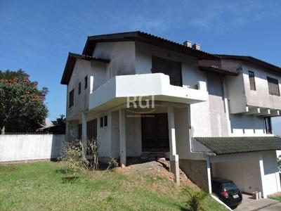 Casa Em Teresópolis Com 5 Dormitórios - Bt8676