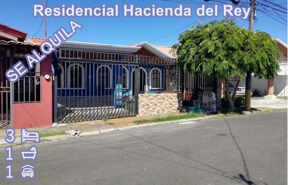 Casa En Hacienda Del Rey. Alquiler