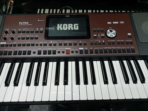 Korg Pa700 61 Teclas