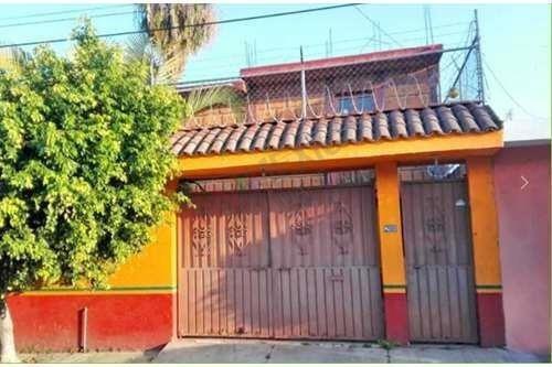 Casa En Venta, Cuernavaca, Morelos. Bc