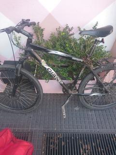 Bicicleta Giant Yukon 26
