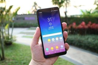 Celular Samsung A8 2018 - Full Accesorios