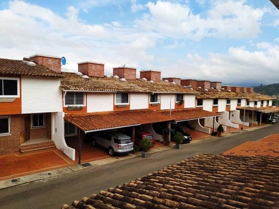 Se Vende Casa En Urb La Montana La Castellana
