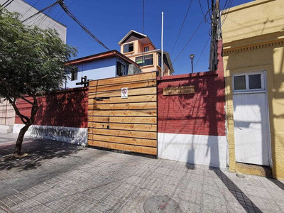 Calle Caracoles 3262