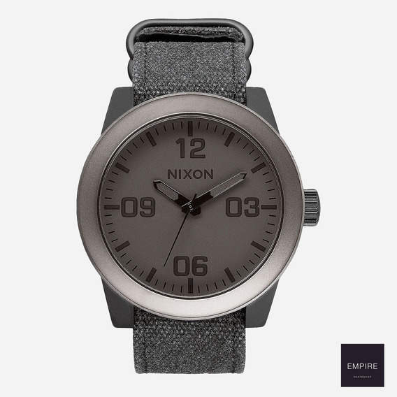 Remato Nixon Corporal Gunmetal/negro Mate (normal $4800)