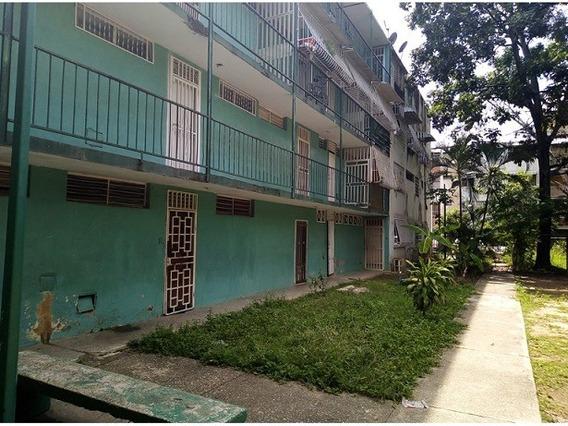 Apartamento Urb. Caña De Azucar ( Mls 925102)