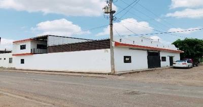 Casa Habitación Con Galerón Anexo