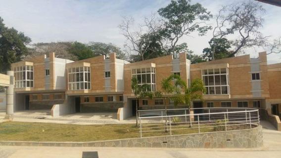 Town House En Colinas De Guataparo !! 0414-3073182