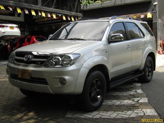 Toyota Fortuner Sr5 4000 Cc At 4x4