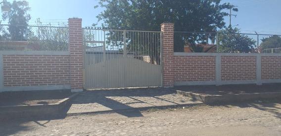 Se Vende Casa En La Colonia Jardines De La Calera, Jal.