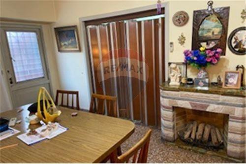 Casa 4 Amb. Con Cochera Ideal Dos Familias