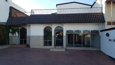 Amplia Casa Recien Remodelada