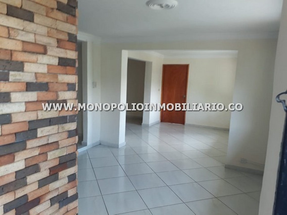 Ideal Casa Bifamiliar Venta Copacabana Cod: 17013