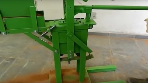 Diseñamos Maquinas Y Moldes Para  Bloques De Cemento(2020)