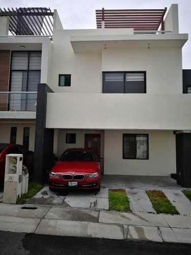 Casa 3 Recámaras En Excelentes Condiciones, Zibatá Querétaro
