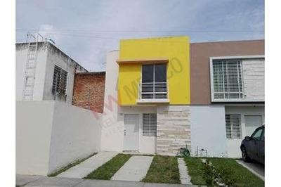 Hermosa Casa Dentro De Coto En Tesistan