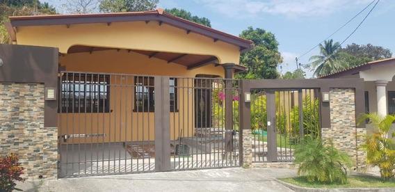 Brisas Del Golf, Bella Casa En Venta, Panama Cv