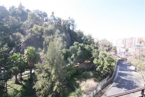 Imagen 1 de 24 de Oficina En Venta Frente Al Cerro San Cristóbal