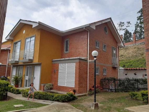Casa Conjunto Montemayor