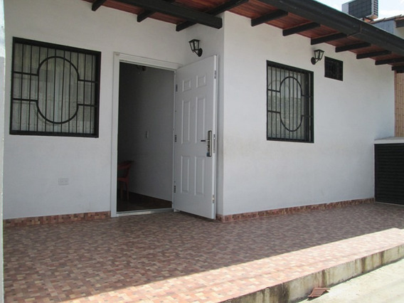 Casa De 4 Habitaciones Y 2 Baños