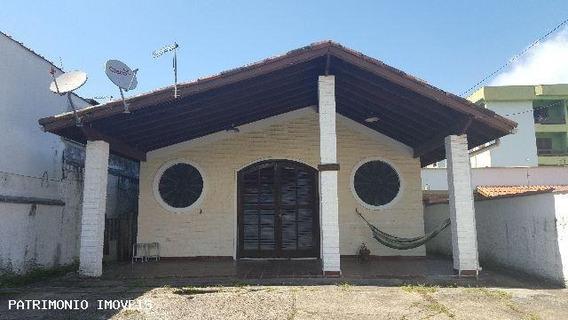Casa Para Venda Em Ubatuba, Centro, 3 Dormitórios, 2 Banheiros, 10 Vagas - 029