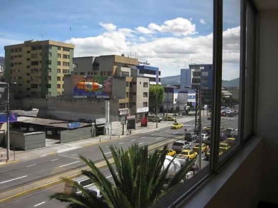 Oficina Avenida Amazonas Media Cuadra De La Plataforma Norte
